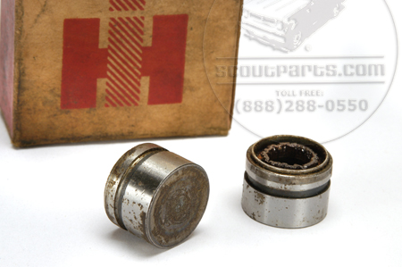 U-Joint Caps 2-DR, 2-CR (round, captive) NOS--- SEE DETAILS FOR APPLICATION!!!!!