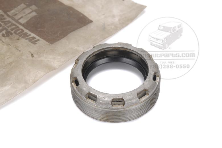 Axle Bearing Adjuster w/Seal - 1010, 1110, 11104x4, 1000, 1100, 11004x4
