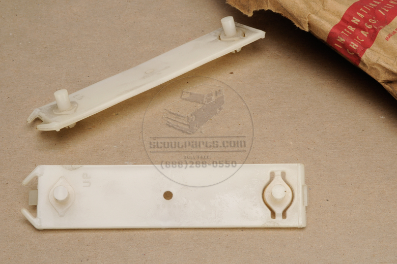 Moulding Retainer Clips