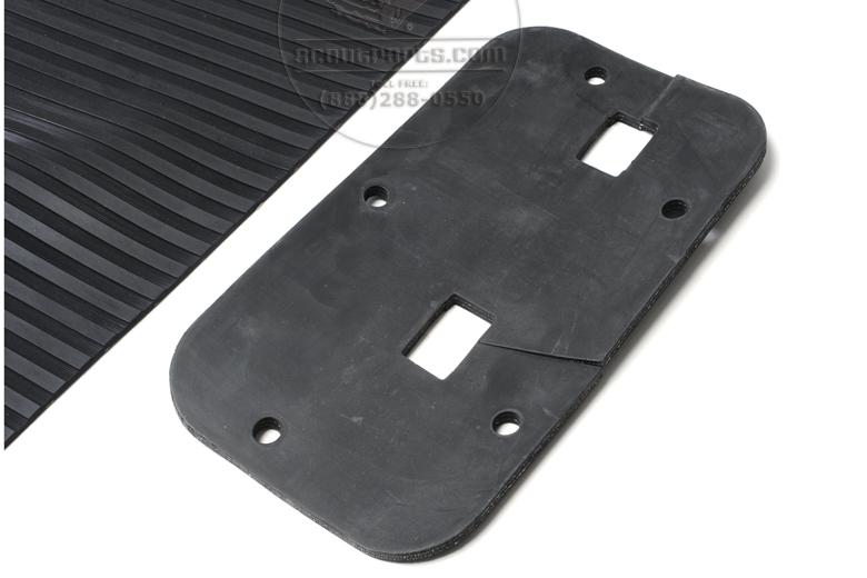 Floor Mat For Floor Shift International  L, R & S Series Pickups