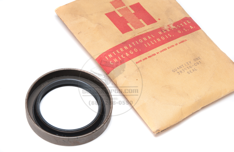 Oil seal - transfer case input and output seal - International Harvester - New Old Stock