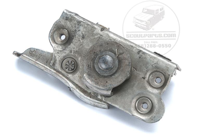 Door latch  right- New Old stock