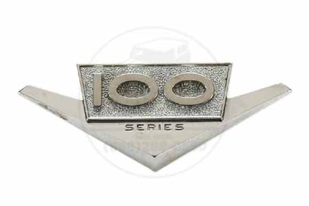 Emblem  100 Series - used, International Harvester