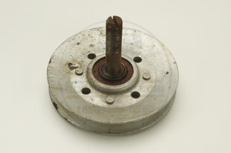 Idler pulley from IH   - NEW OLD STOCK